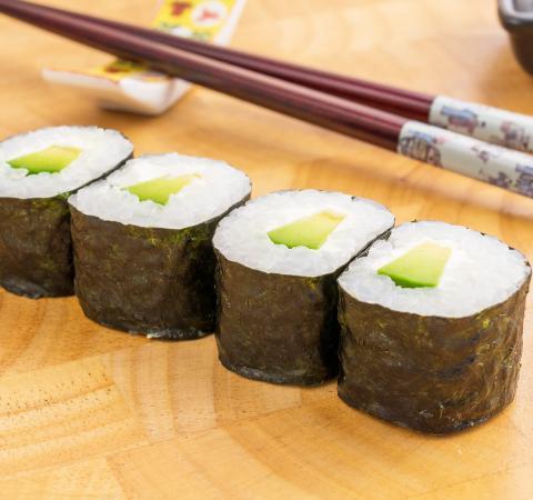 Суши Хосомаки авокадо и филаделфия